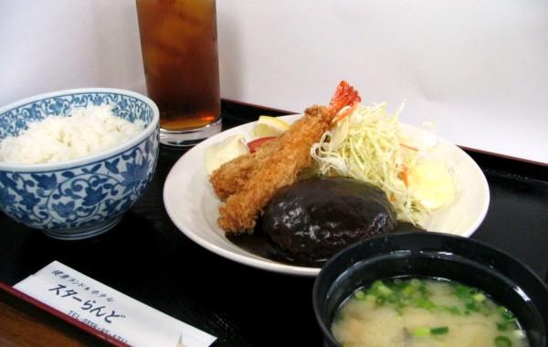 お食事 合宿料理例(ハンバーグ)