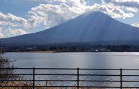 冬の富士と河口湖